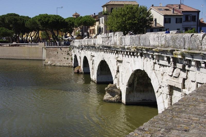 Idee viaggio per coppie: cosa fare a Rimini
