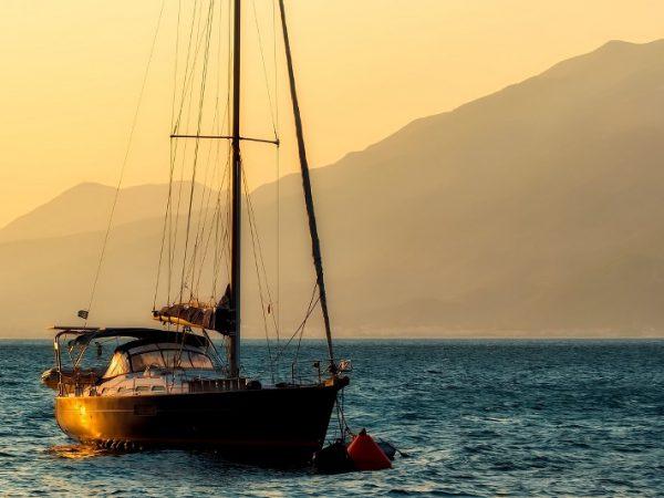 sailboat-2693421_1280_800x533