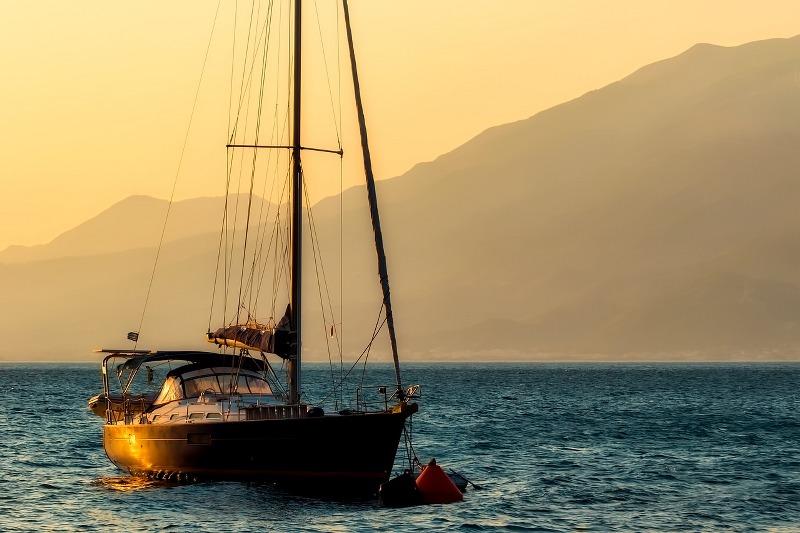 Eolie in barca a vela, una vacanza da sogno